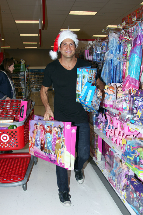 JOE FRANCIS DONATES TO 'SPARK OF LOVE'